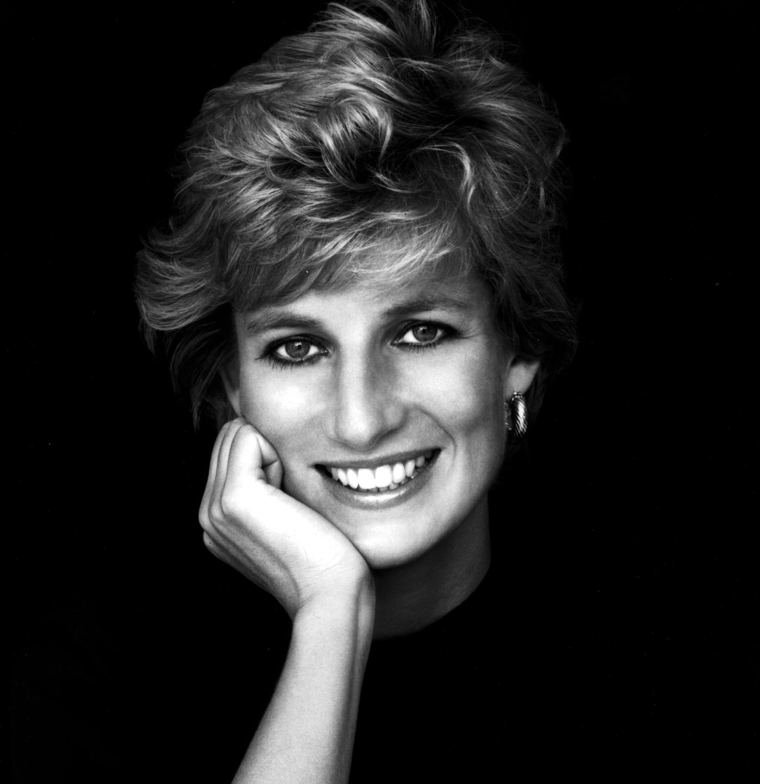 Princess Diana: https://rebeccahains.com/2015/03/05/balancing-princess-culture-with-significant-women-a-reader-report-on-raising-empowered-girls/